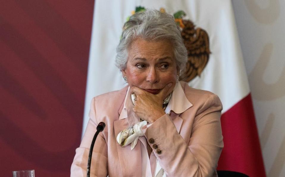 Denuncia Sánchez Cordero que cuenta falsa de WhatsApp pide dinero a su nombre