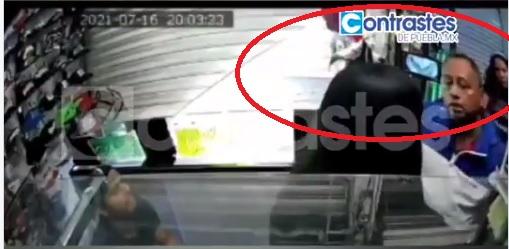 Escupen en la cara y golpean a jovencita en Puebla y nadie hace nada