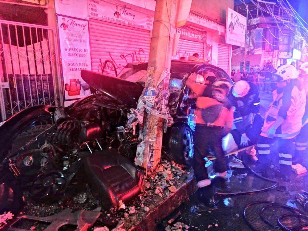Fuerte accidente frente al mercado Independencia