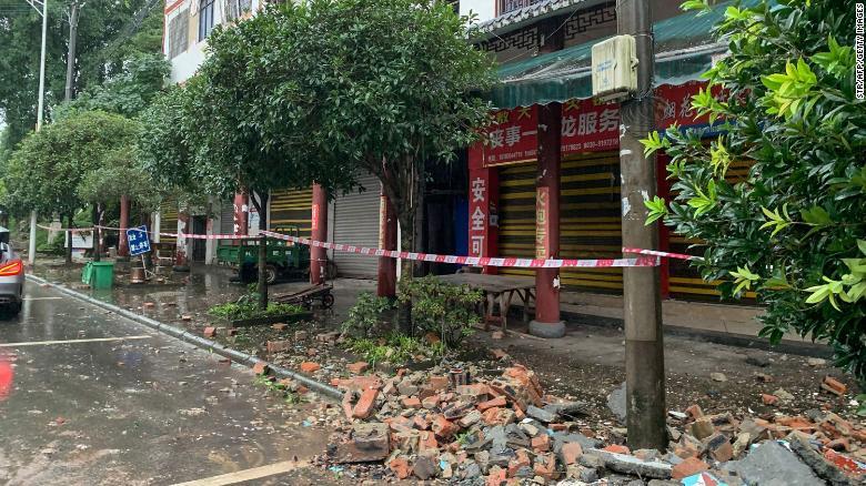 3 muertos por sismo de magnitud 6 en China