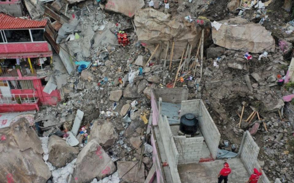 Cuerpo localizado tras derrumbe de Chiquihuite es de una menor de 3 años