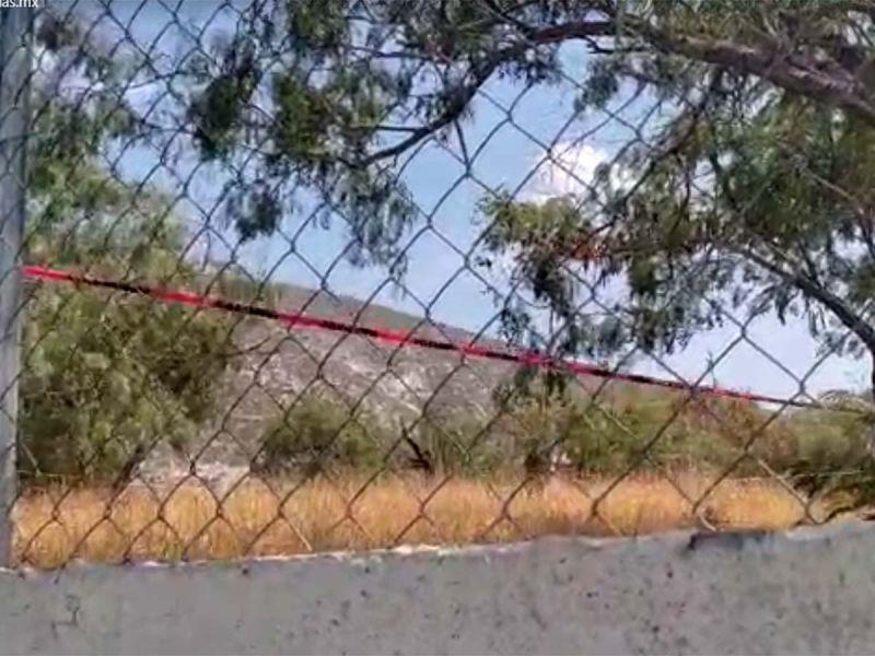 Encuentran cabeza dentro de hielera en patio de escuela en Monterrey