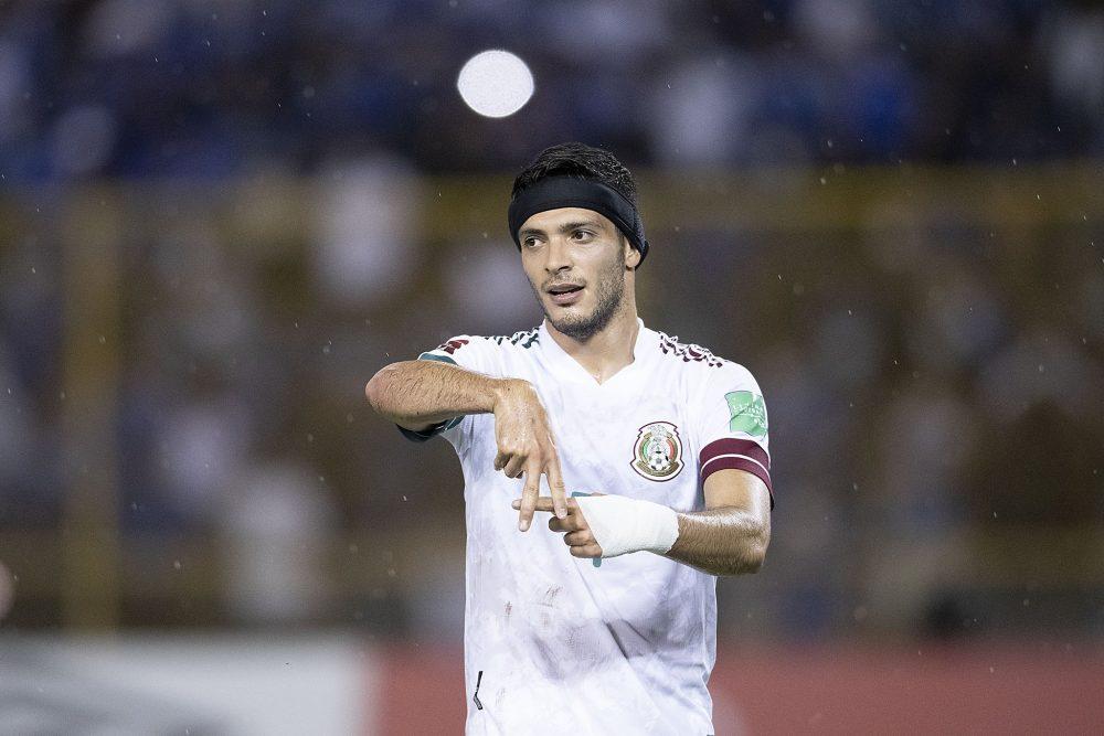 Después de 11 meses Raúl Jiménez vuelve a marcar gol con la selección mexicana
