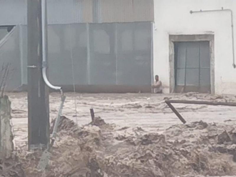 Se desborda río en Nayarit tras paso de 'Pamela'