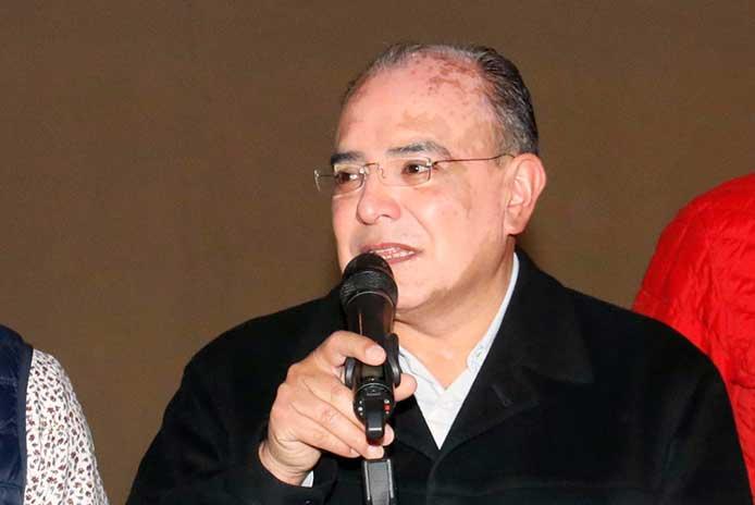 Márquez alcalde de Zacatlán y va, al 24